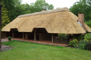 the lapa company are proud to offer traditional thatched roofs on our lapa buildings thatching is a highly skilled craft that produces an elegant yet - Thatched Rood